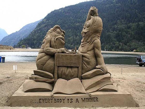10 oregon-beach-sand-sculpture-contest1